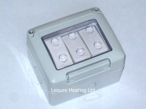 3-Gang Outdoor Switch For Dual Wattage Pendant heaters with Light
